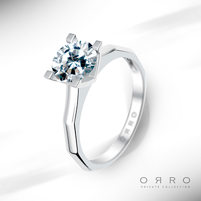 ORRO Brilliant Begonia Ring in 18K Yellow Gold