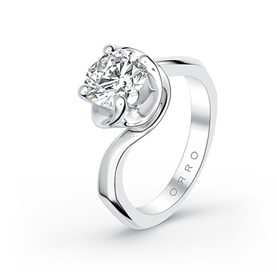 ORRO Aurora Ring in 18K White Gold